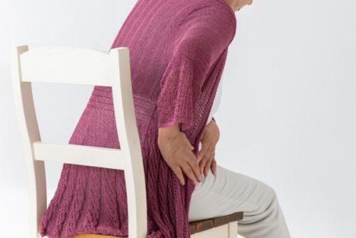 股関節が痛い女性