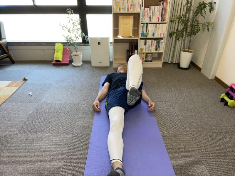 左の股関節可動域チェック